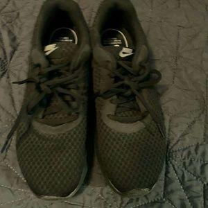 Women's Nike sneakers 7.5